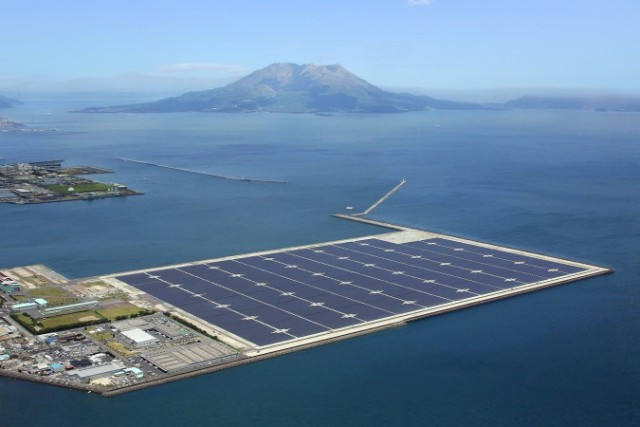 solar-station_plavuch_Japan