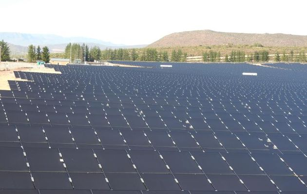 Paleisheuwel_solar-station_RSA