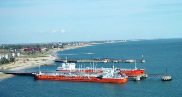 Махачкала порт нефть