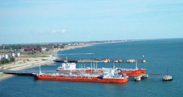 Makhachkala-port-neft