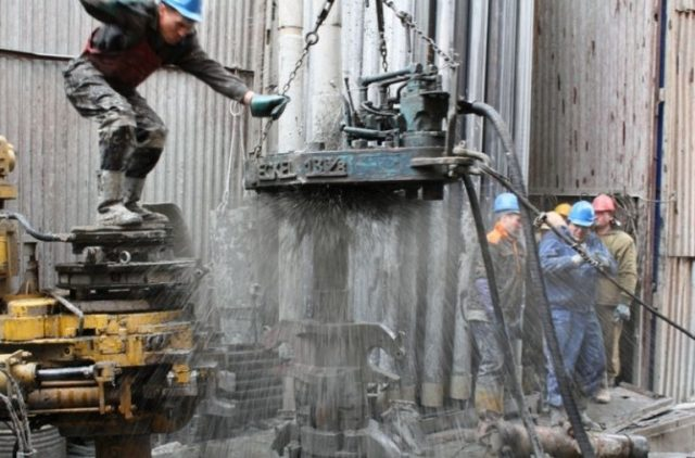 oil-neft-burovaia