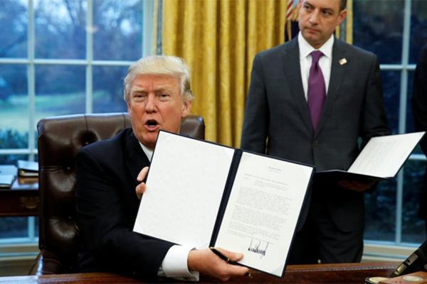 tramp_podpisal_1