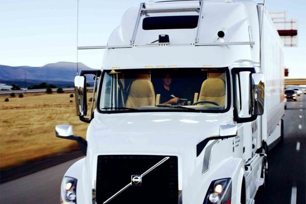 Беспилотный транспорт грузовик