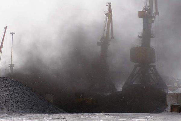 Порты угольная пыль