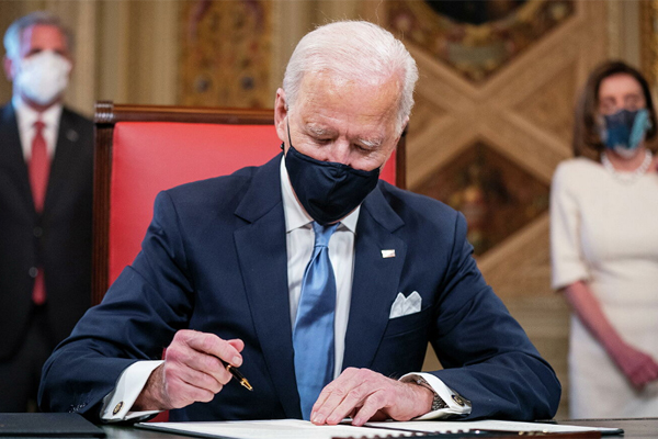 президент США Байден подписал санкции