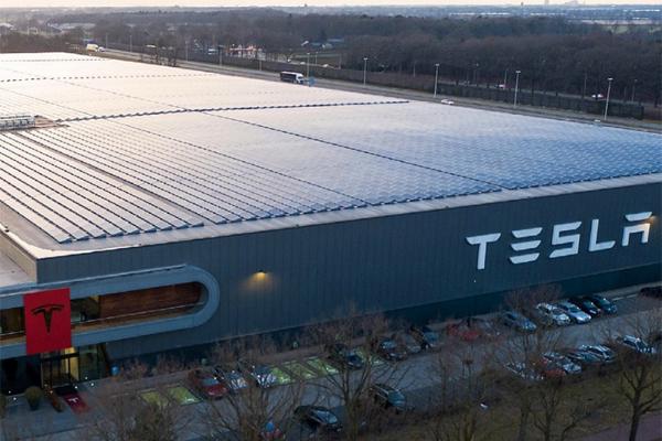 Tesla завод